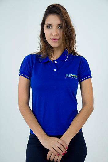 """Modelo com camisa polo Serfer no artigo """"Uniforme para verão"""""""